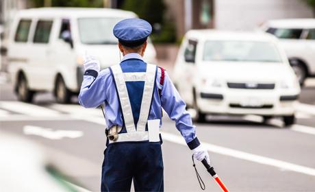 写真:交通誘導警備